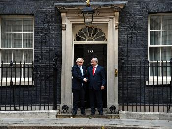Benjamin Netanyahu trifft Boris Johnson in London