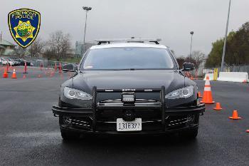 Kein Saft: Polizei im Tesla muss Verfolgungsjagd abbrechen
