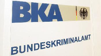 BKA geht gegen Verbreitung von Bauanleitungen für Sprengstoff im Internet vor