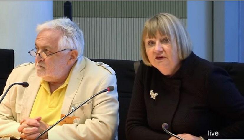 Undemokratischer Umgang mit Petitionen: Vera Lengsfeld zieht vor Bundesverfassungsgericht