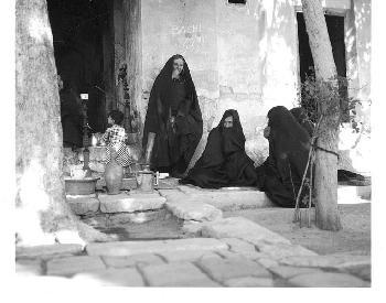 Iranische Frauen trotzen den Mullahs; westliche Feministinnen nirgends in Sicht