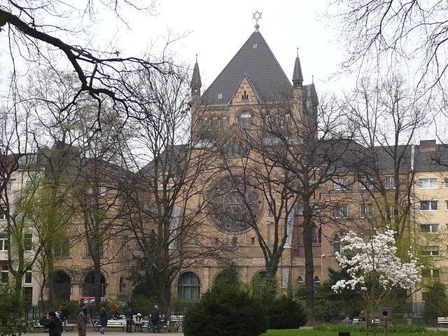 Kardinal Woelki besucht Synagogen-Gemeinde Köln