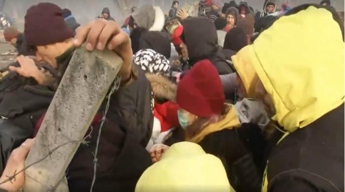 Türkei: 18.000 an der Grenze zu Griechenland - schwere Ausschreitungen