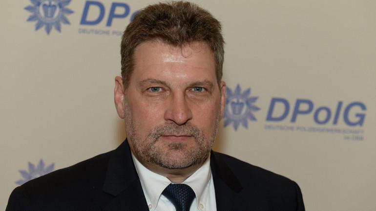 DPolG Landeschef: Alle Polizisten sollten Schutzmasken tragen