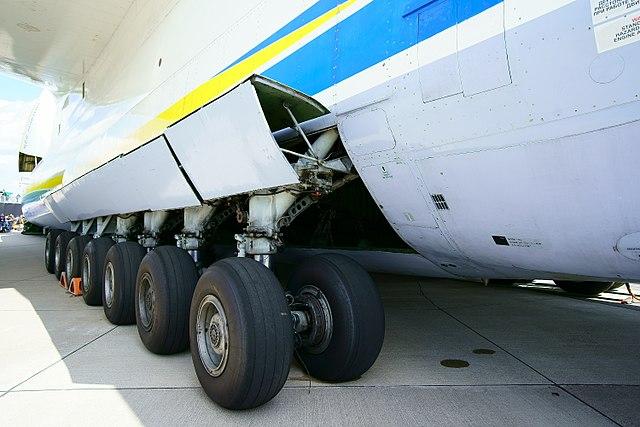 Antonow 225 -  Aus der Mottenkiste zum heutigen Dauerbrenner