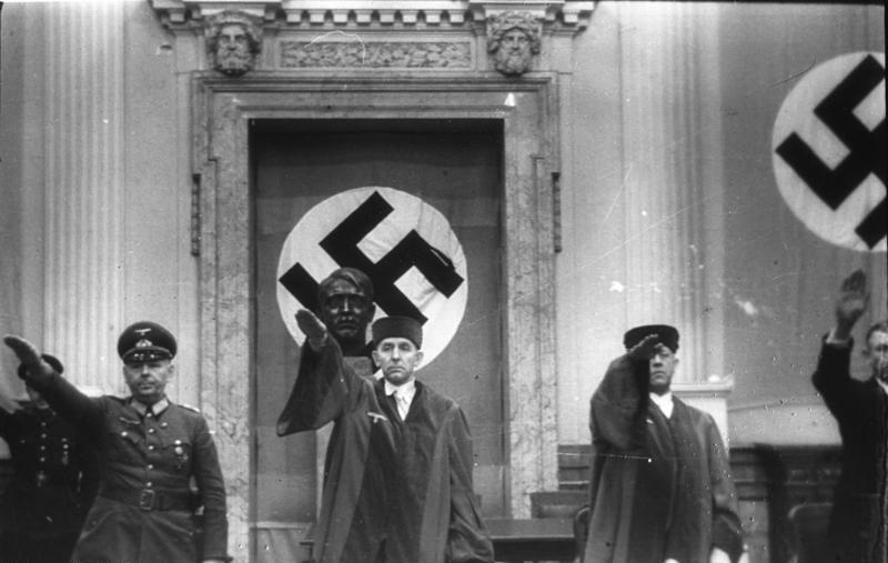 Wird der Berliner Waldfriedhof zu einer Pilgerstätte für Neo-Nazis? [Video]