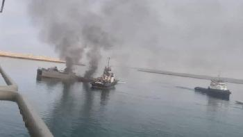 Mullah-Marine versenkt eigenes Schiff
