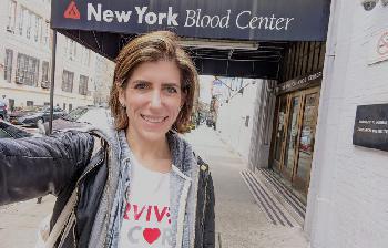 Genesene von COVID-19 in den Vereinigten Staaten spenden Blutplasma
