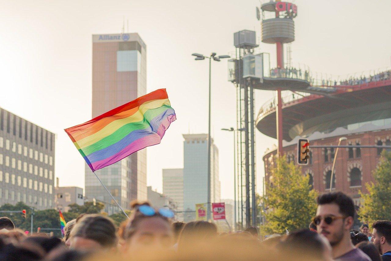 """Das Schwulen-Magazin """"Queer"""" betreibt eine linke Agenda"""