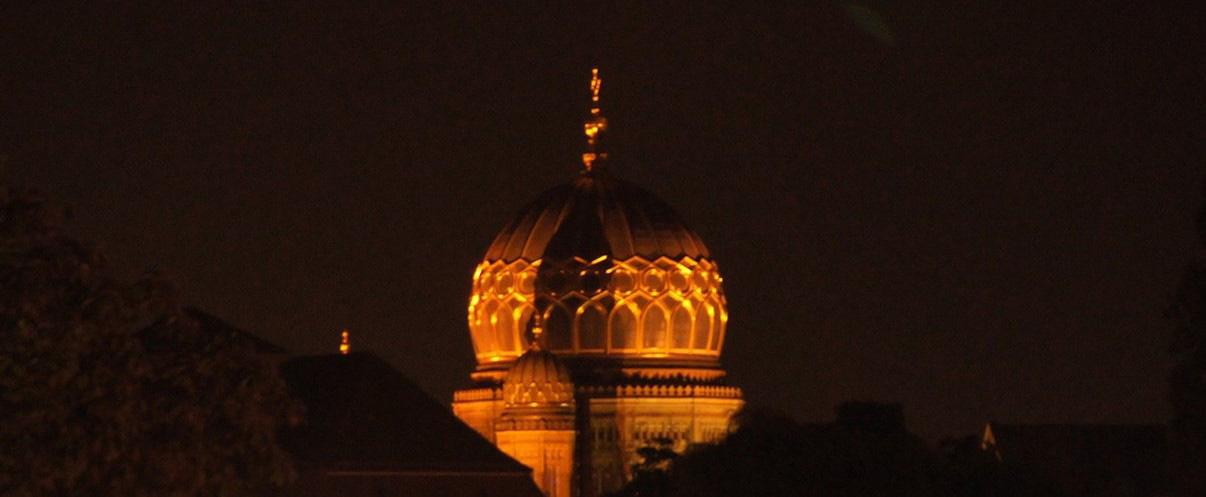 """""""Gebetshäuser"""" oder Monumente der künftigen Macht"""