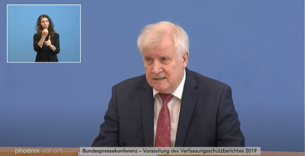"""Seehofer wünscht sich """"vollständig anderes Leben"""" mit seiner Modelleisenbahn"""