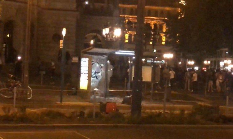 """""""Eventszene"""" mit Migrationshintergrund schlägt in Frankfurt zu - verletzte Polizisten [Video}"""