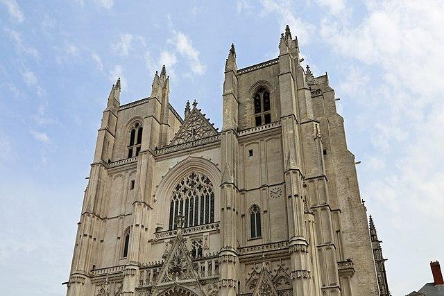 Brennende Kathedralen Frankreichs: Die Endphase der Entchristianisierung