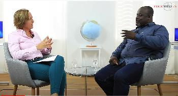 """Serge Menga: """"Rassismusdebatte ist eine Beschäftigungstherapie für Schwarze"""" [Video]"""