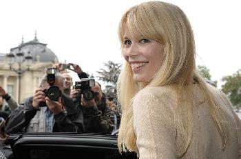 Corona stiehlt Claudia Schiffer die Show