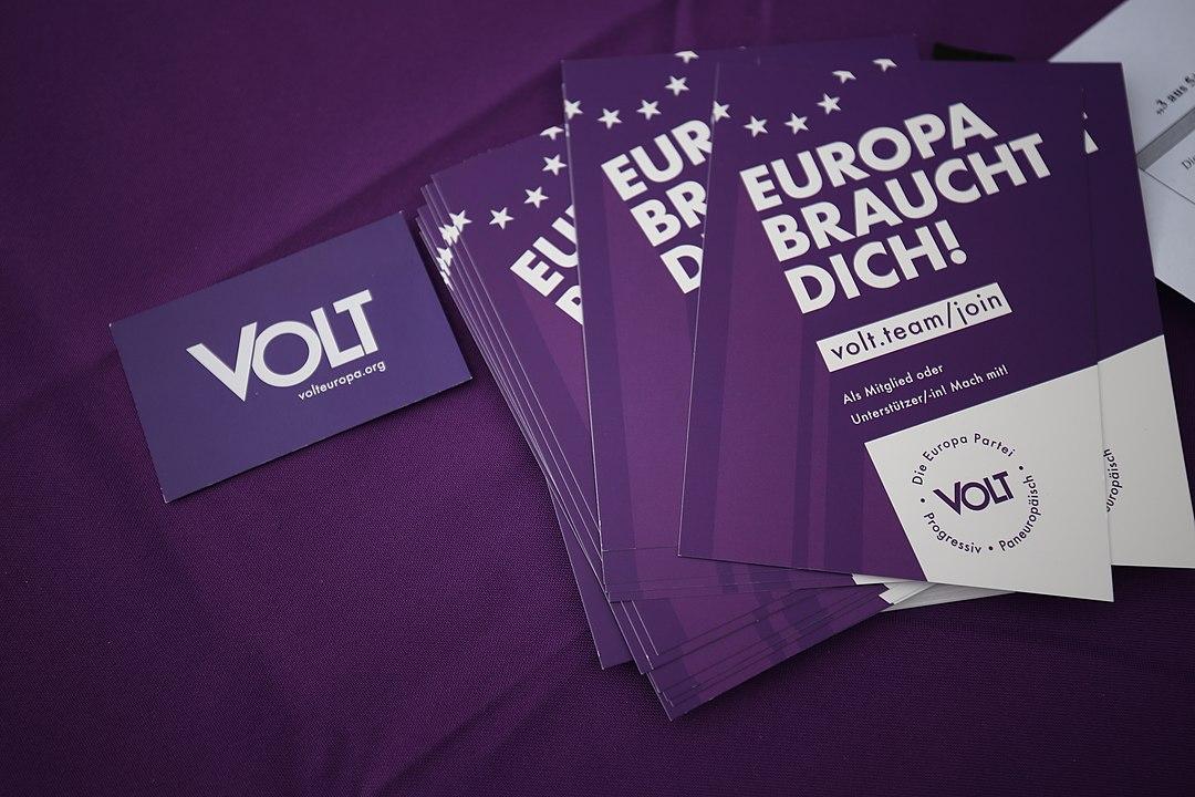 """Neue Partei: Viel """"Volt"""" und wenig Spannung"""