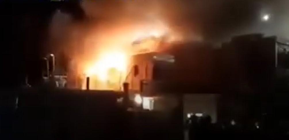 Auch in Samos: Migranten verhaftet, die Asylbewerberheim mehrmals in Brand gesetzt haben sollen