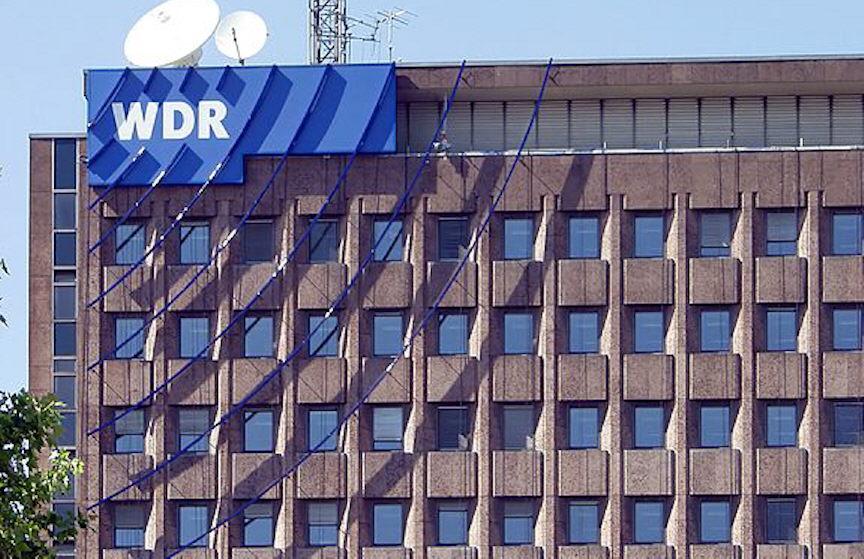 Querdenken-Demo: Brachte WDR Reichstagsflaggen selbst mit?