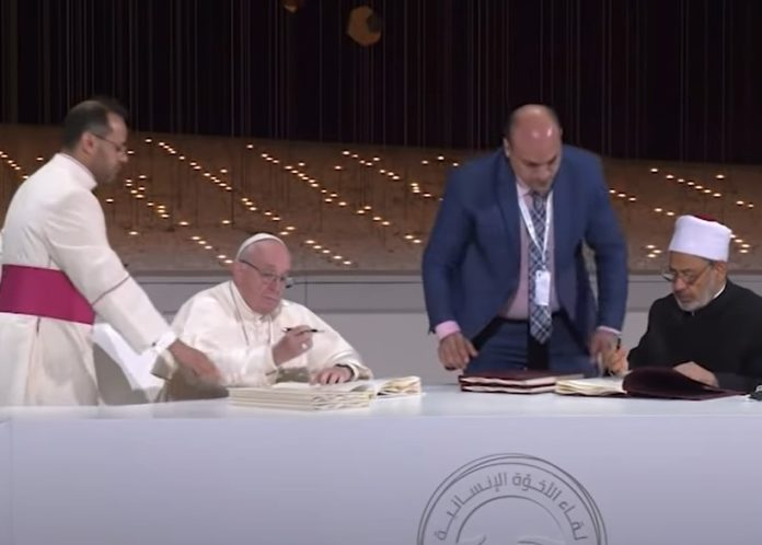 SCHARIA-RICHTER UND MUSLIMISCHE GROSSIMAME BEGEISTERT VON NEUEM PAPSTSCHREIBE