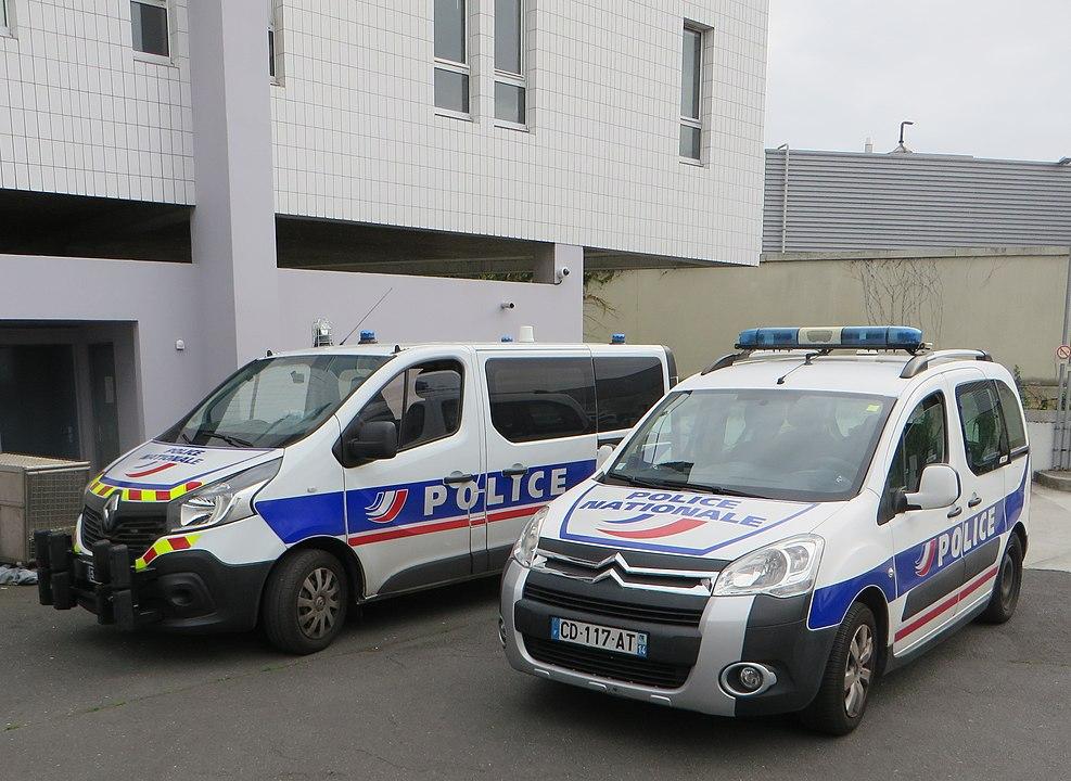 Lehrer bei islamistischen Terroranschlag in der Nähe von Paris enthauptet