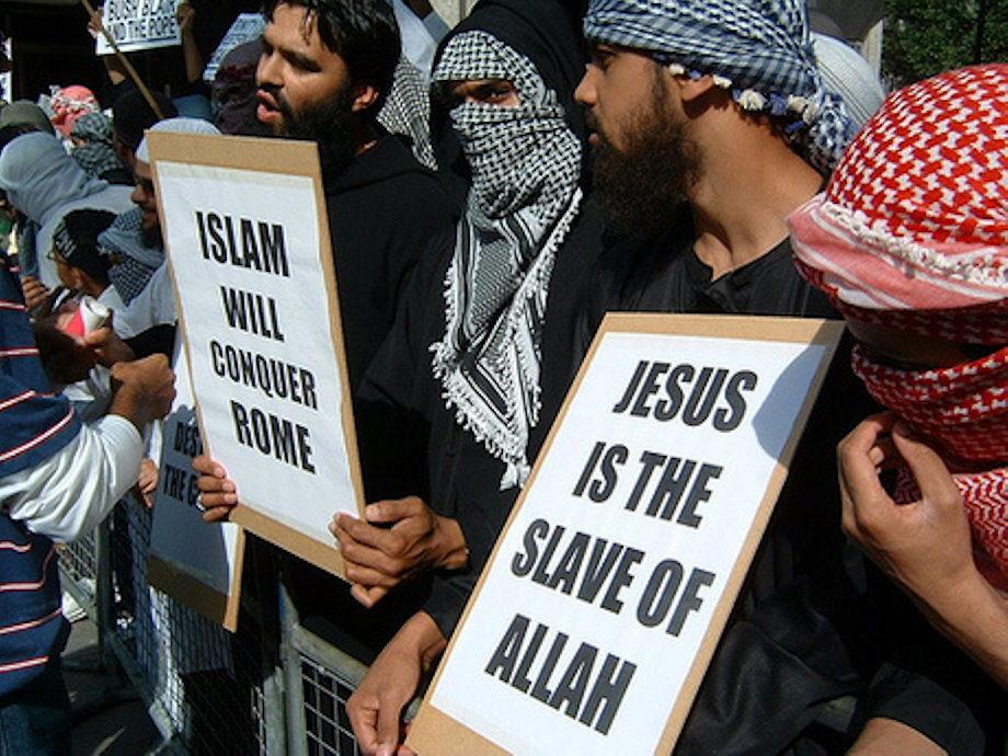 """""""Hassen und Lieben"""" für den Islam"""