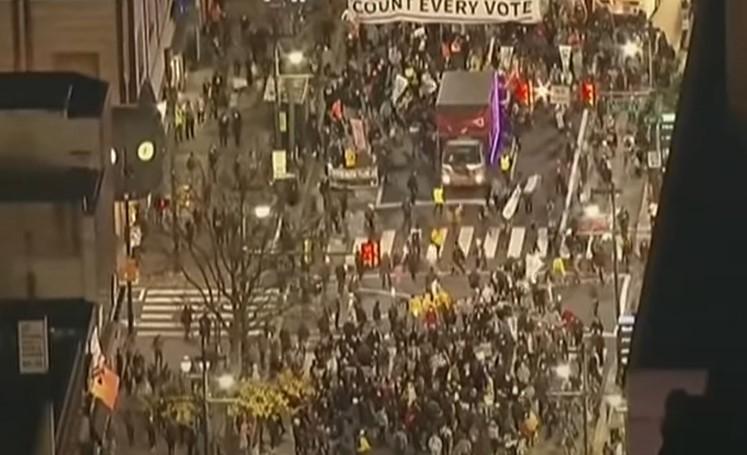"""Antifa-Demonstranten führen in Portland einen """"Marsch des Terrors"""" durch [Video]"""