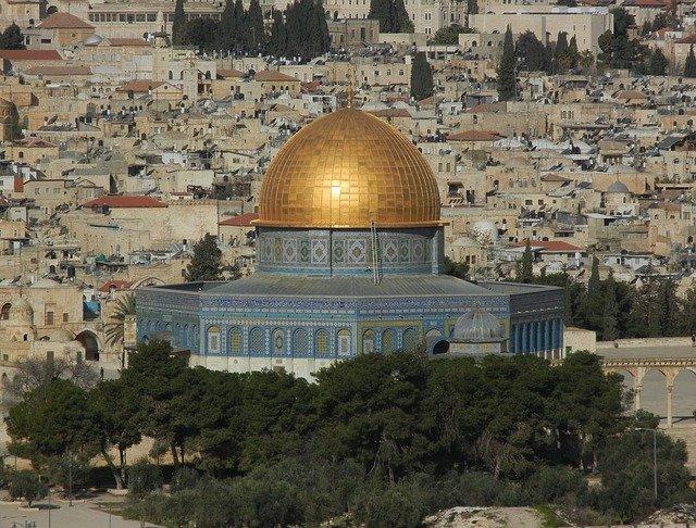 2.000 Araber wurden auf dem Weg zum Tempelberg verhaftet und in PA-Gebiete zurückgeschickt