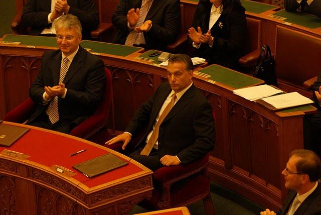 Ungarns Parlament stimmt für neuen Notstand