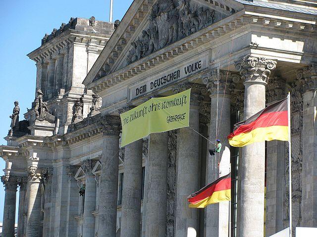 Was linke Aktivisten im Bundestag veranstalten, ohne dass es jemanden aufregt