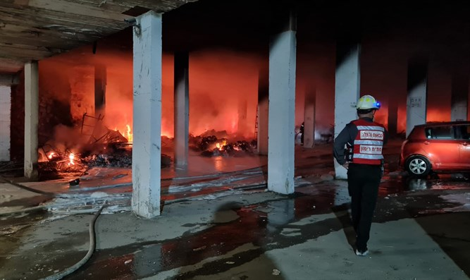 30 Verletzte bei Brand in einem Wohnhaus in Jerusalem