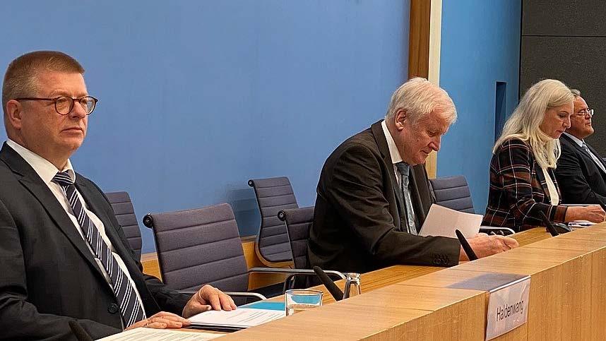 Innenminister und Verfassungsschutz: Am 9. Dezember wird die AfD zum Beobachtungsfall erklärt!