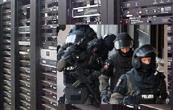 Razzia-auf-Server-der-Firma-Scytl-in-Frankfurt-Video