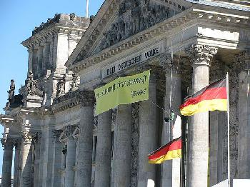 Was-linke-Aktivisten-im-Bundestag-veranstalten-ohne-dass-es-jemanden-aufregt