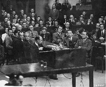 Die Aufarbeitung der NS-Geschichte und der Zugang zu den relevanten Materialien
