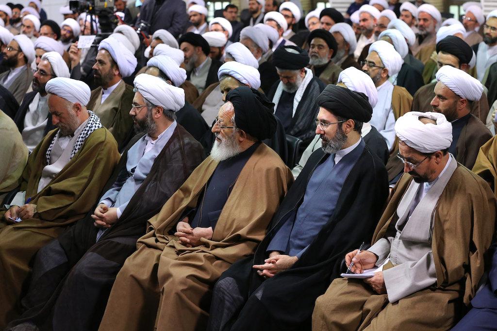 Khamenei soll Macht an Sohn übergeben haben