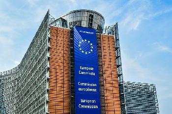 EU-Parlament billigt Billionen-Haushalt