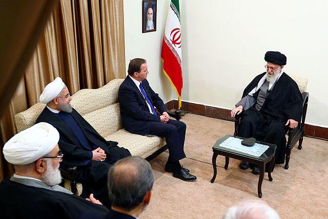Das US-Finanzministerium verhängt Sanktionen gegen von Khamenei kontrollierte Stiftungen