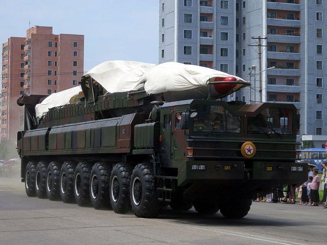Nordkorea zeigt neue ballistische Rakete