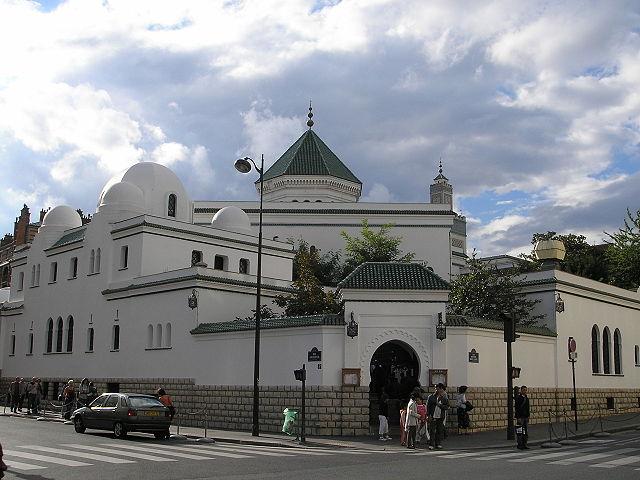 Frankreichs Behörden schließen neun Moscheen