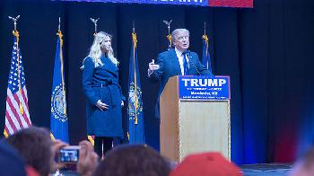 Durchmarsch-fr-Donald-Trump-am-6-Januar-im-USAbgeordentenhaus