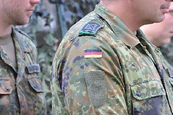 Soldatinnen und Soldaten besser entschädigen