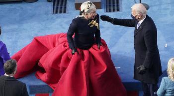 Maskenball und Geisterstunde mit Lady Gaga