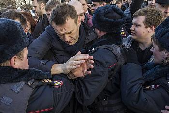 Nawalny-Vertraute in Haft
