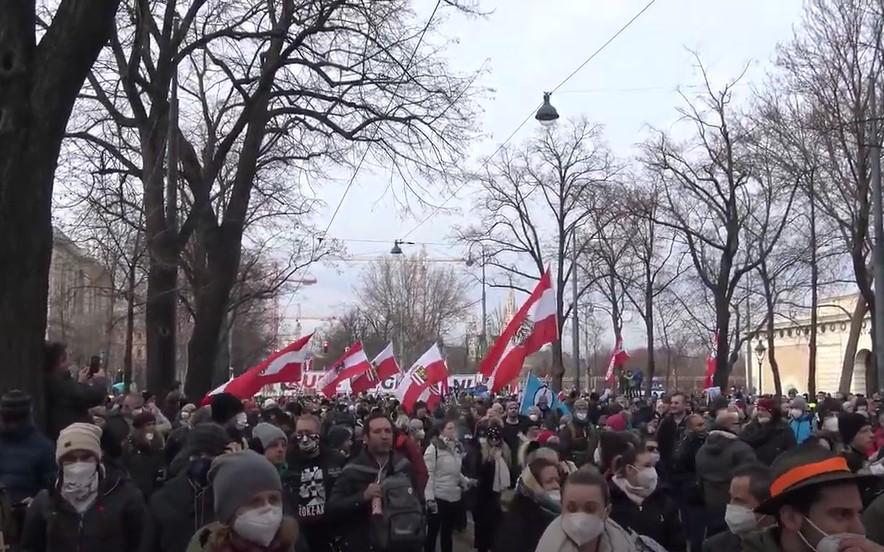 Tausende auf Anti-Corona-Demonstration in Wien