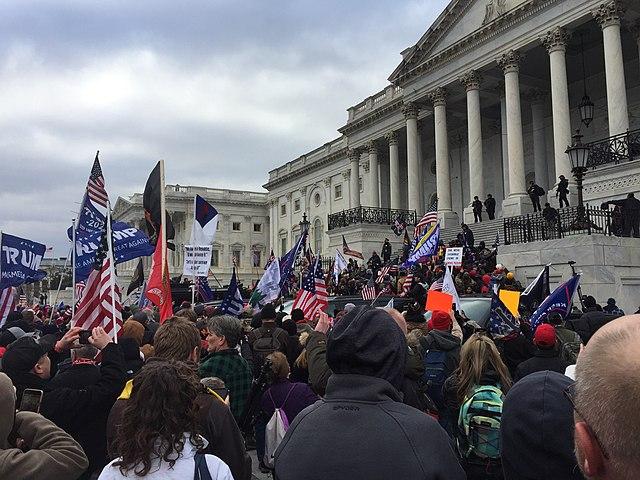 Demokrat verklagt Trump wegen Capitol Unruhen