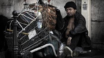 Soziademokraten: Goldesel für die Welt, Armut in Berlin