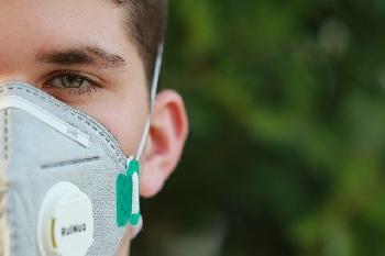 Gericht kippt Maskenpflicht im Umfeld von Geschäften