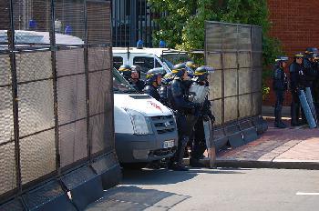 Frankreich: Das Schließfach eines jüdischen Polizisten wurde mit Hakenkreuzen beschmiert