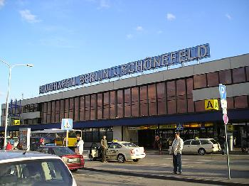 Corona: Deutschen Flughäfen bleibt die Luft weg