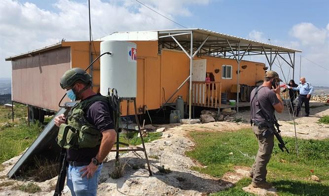 Terrorist bricht in Samaria ein und versucht bewohner zu erstechen